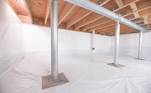 Crawl space structural support jacks installed in Chisholm